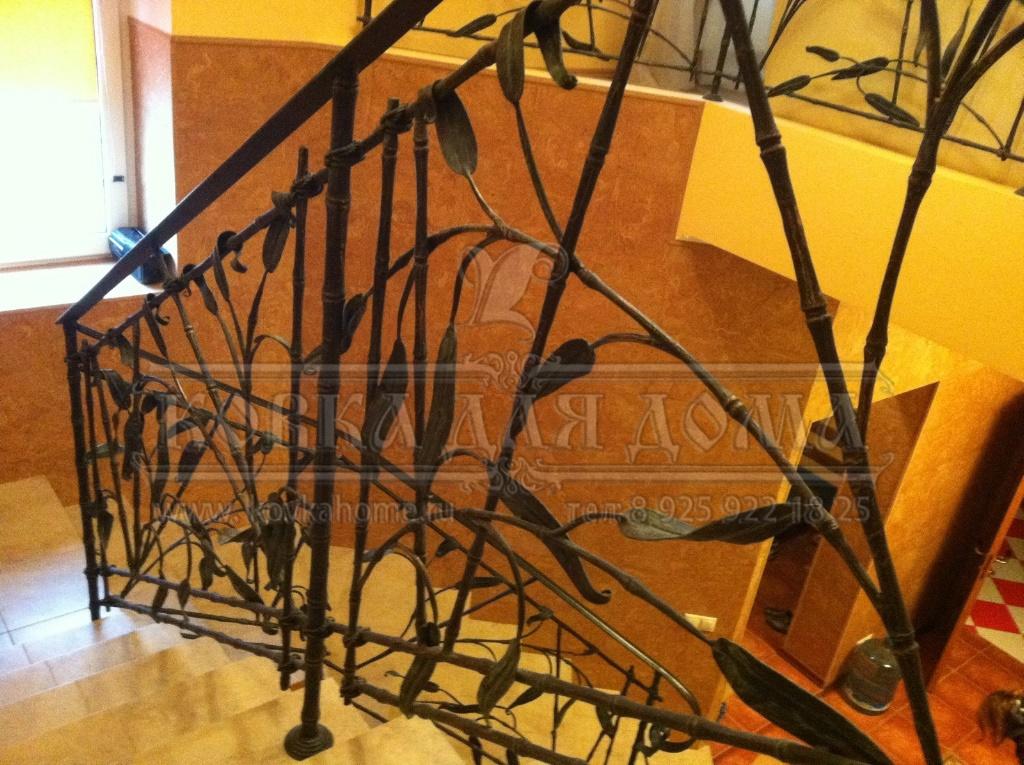 Пример кованой лестницы №22 в стиле Арт-Нуво из нашего каталога
