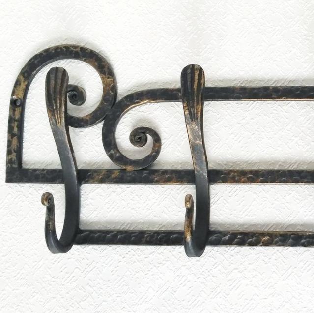 Каталог товаров - кованые вешалки для одежды